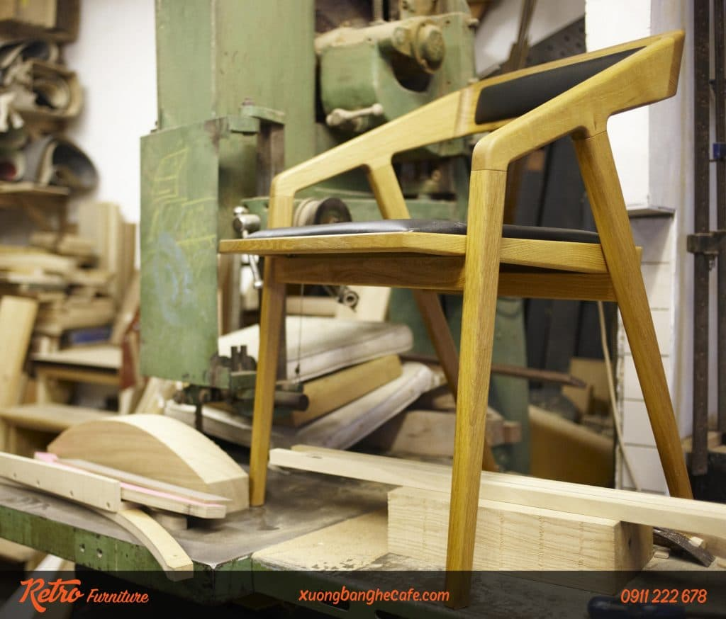 Ghế gỗ cafe katakana