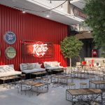 Bàn ghế gỗ chân sắt dành cho quán cafe sân vườn