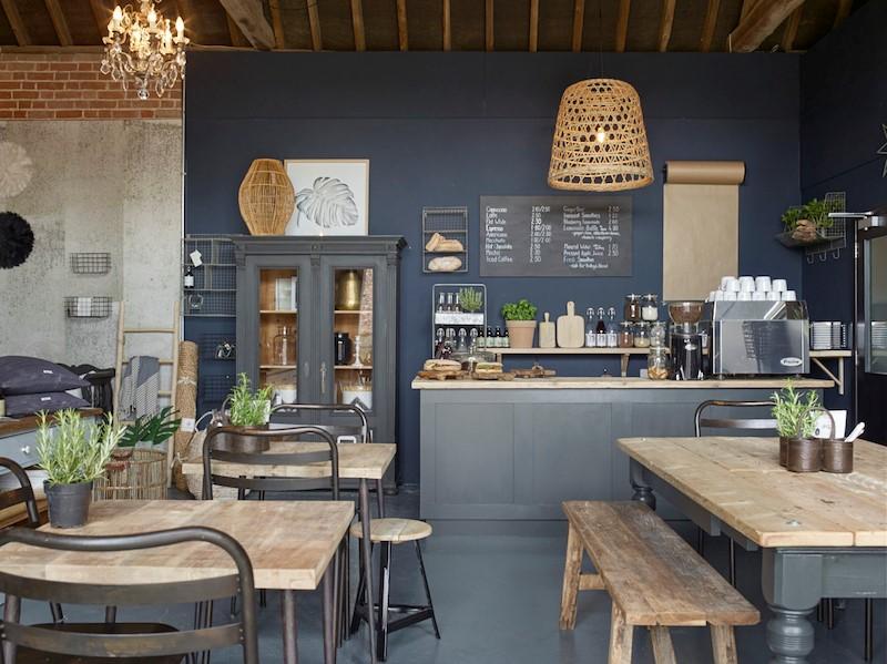 Một quán cafe mang đậm phong cách vintage & retro châu Âu