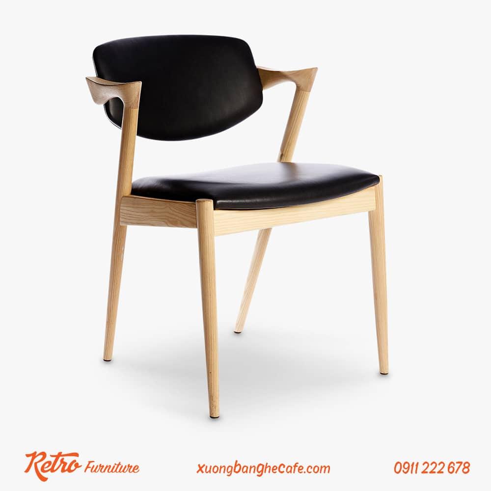 Ghế chân gỗ có bọc đệm