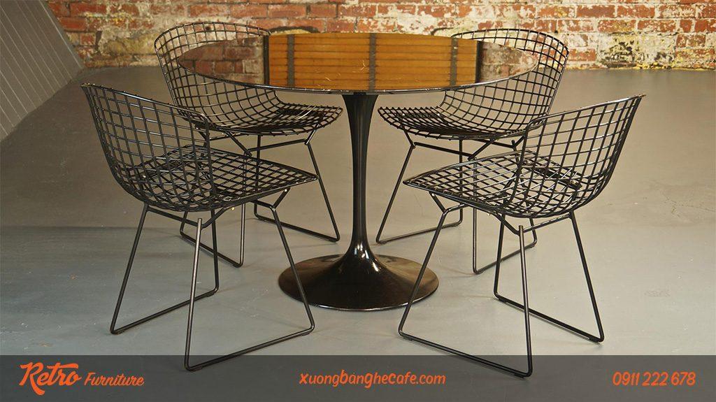 Một kiểu dáng thiết kế bàn ghế cafe từ sắt