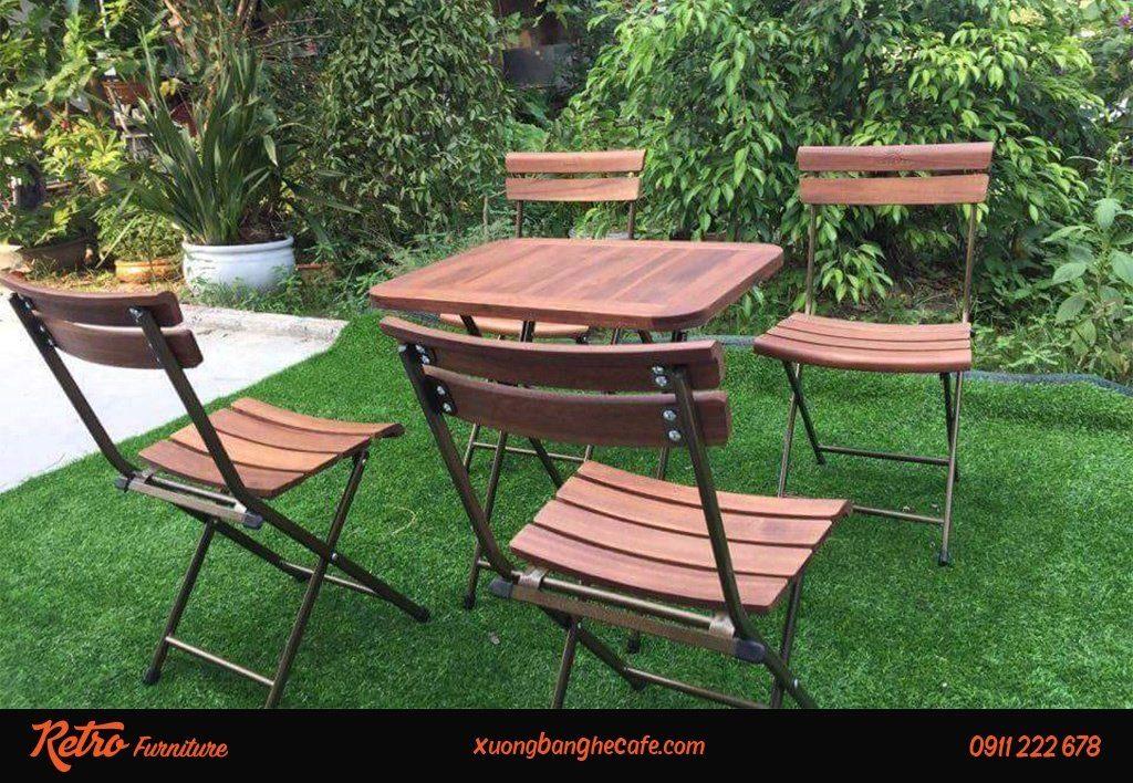 Bàn ghế gỗ xếp được lựa chọn vì tính tiện lợi, nhỏ gọn, độ bền cao và thẩm mỹ