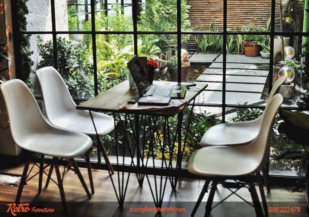 Mẫu ghế nhựa cao cấp P01 được sử dụng tại quán cafe nổi tiếng Oromia Coffee.