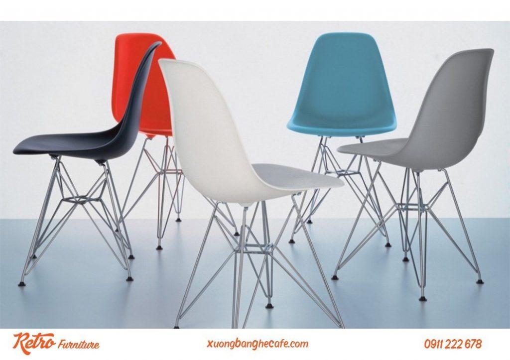 Thiết kế vô cùng đơn giản, sự kết hợp độc đáo của chân ghế inox với phần lưng tựa bằng nhựa PP.