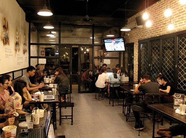 """Mô hình quán cafe 24h phù hợp với những bạn trẻ """"cú đêm""""."""