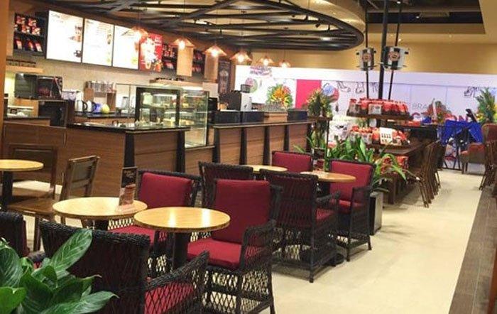 Quán cafe được trang trí theo phong cách hiện đại: Highland Coffee