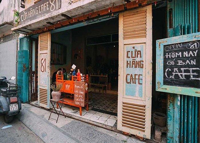 Một góc cafe cổ điển tại Sài Gòn.