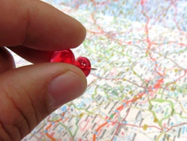 Tìm địa điểm kinh doanh hợp lí giúp bạn dễ tiếp cận khách hàng.