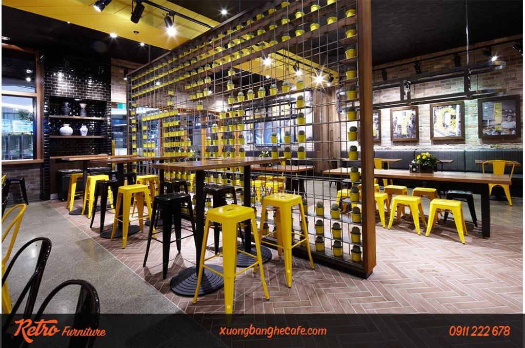 Mẫu bàn gỗ vuông và ghế cao