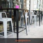 Ghế cao quầy bar, vì sao nên chọnGhế sắt sơn tĩnh điện?