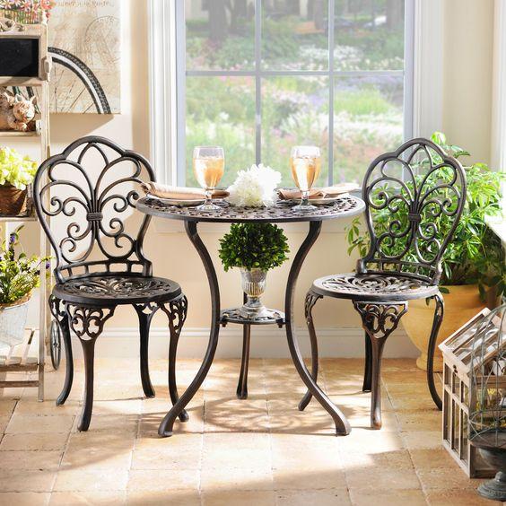 Mẫu bàn ghế thiết kế tỉ mỉ công phu