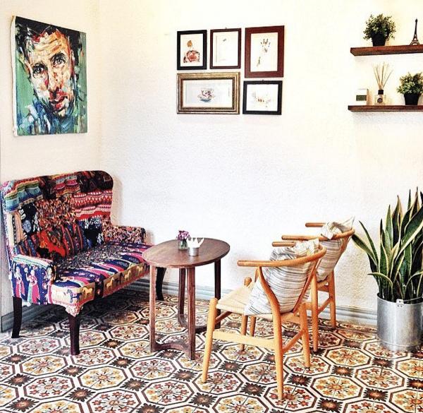bàn ghế gỗ cao cấp với phong cách Vintage