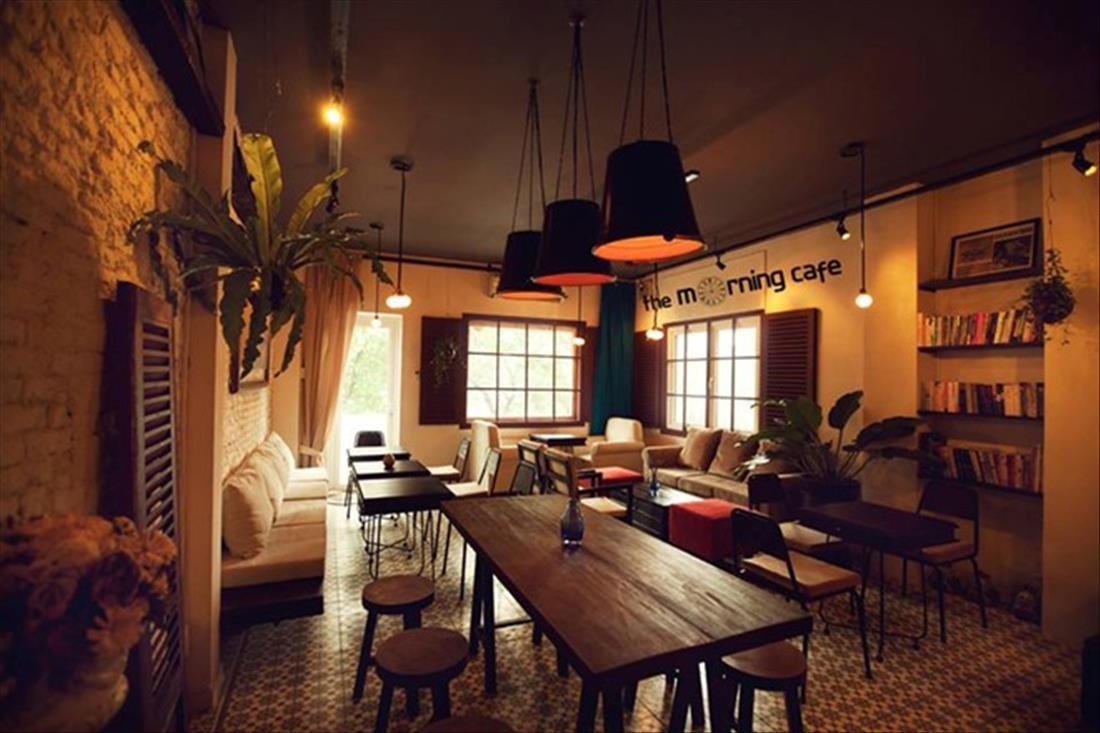Bàn ghế cafe theo phong cách cổ điển