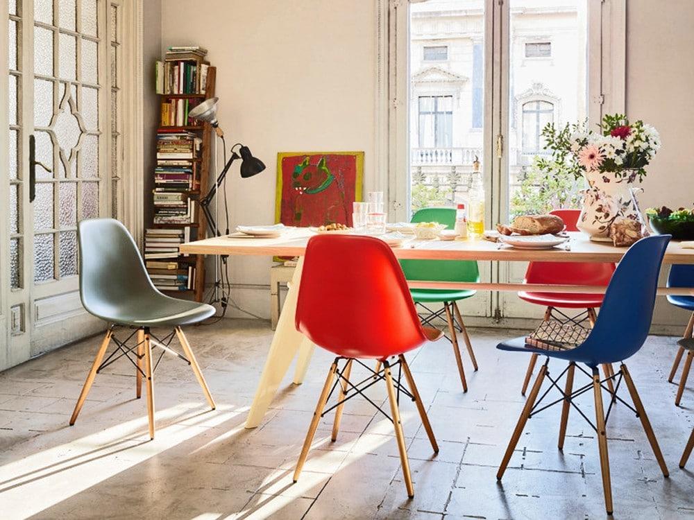 Ghế eames - ghế nhựa chân gỗ