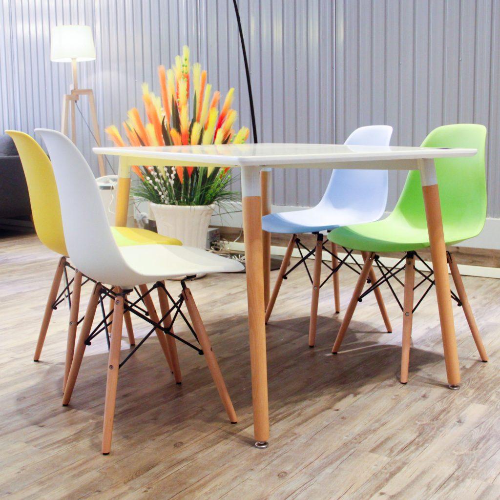 Bàn ghế nhựa chân gỗ phù hợp cho các quán cafe