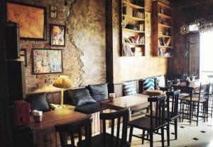Bàn ghế cafe cũ không hút mắt bằng bàn ghế mới