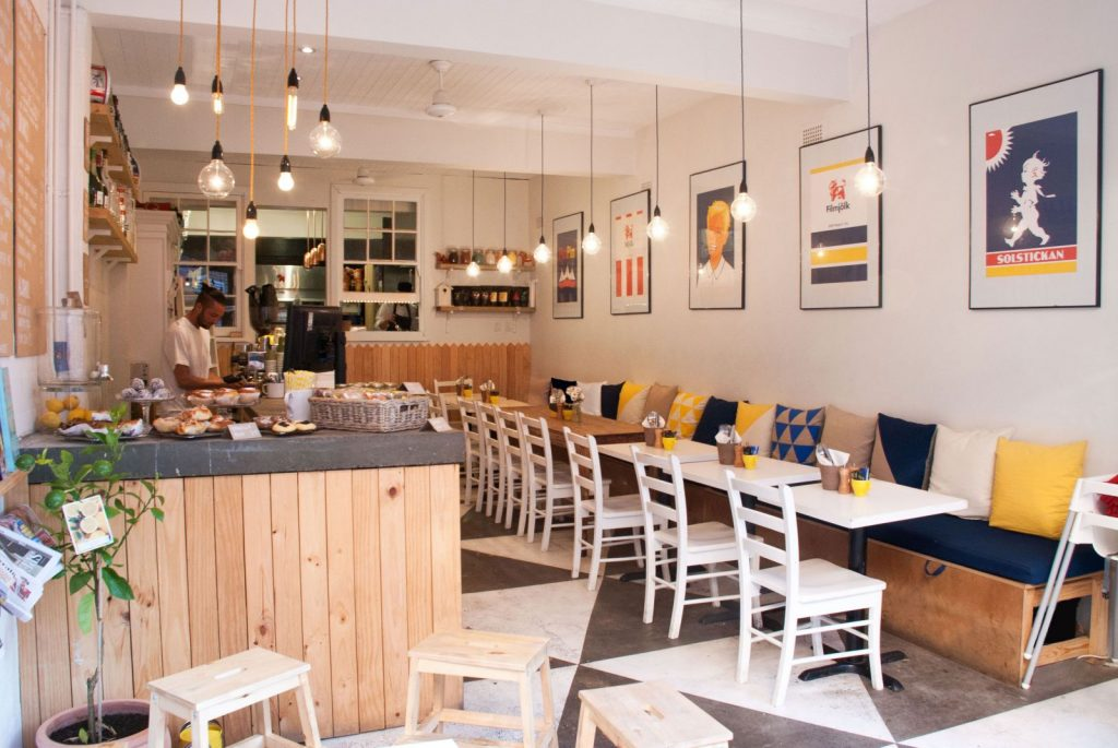 Quán cafe trang trí nội thất theo phong cách Scandinavian