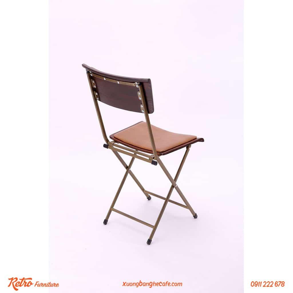 Bàn ghế Leather Patio có giá khá mềm