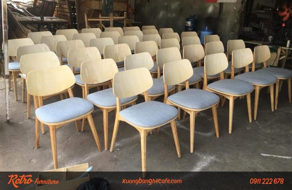 Sản phẩm ghế gỗ PLC mặt ngồi bọc nệm vải, tựa lưng gỗ