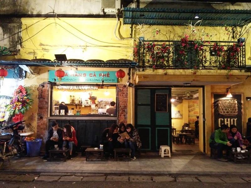 Mô hình quán cà phê cóc ngày càng được giới trẻ ưa chuộng