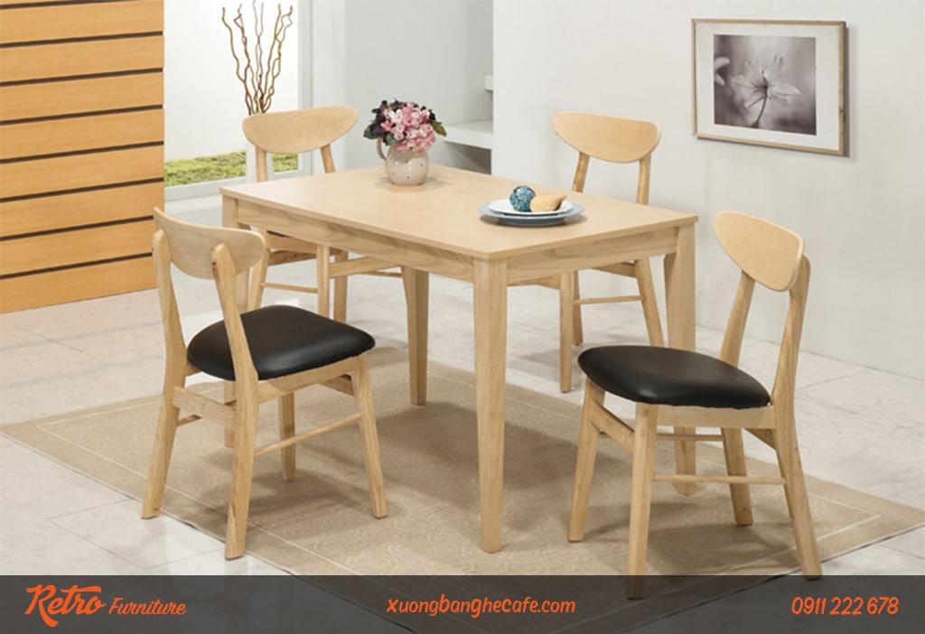 Bàn ghế Vianca bọc đệm da tạo sự thoải mái cho người ngồi